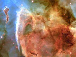 The Keyhole in the Carina Nebula: NASA/JPL-Caltech/ESA, the Hubble Heritage Team (STScI/AURA)